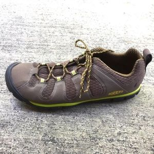 7ac722990c80 Other Shoes you may like. Keen CNX womans hiking sneakers brown